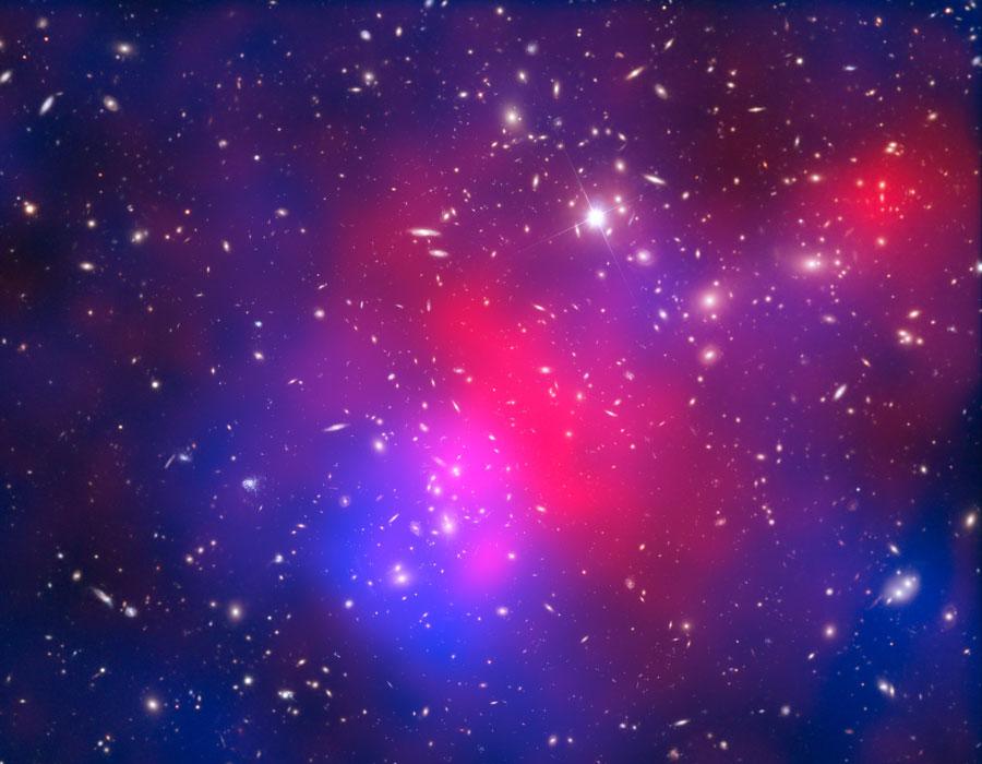 Abell-2744-Pandoros-galaktiku-spiecius